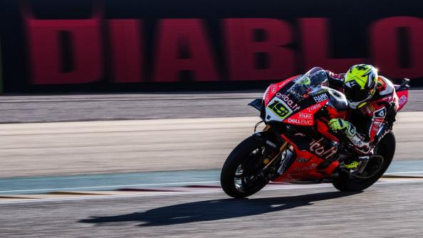 World SBK, GP Aragon: qualcuno fermi Bautista! Sua anche la SuperPole Race