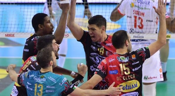 Superlega Volley finale scudetto, fortino Perugia in casa: netto 3-0 sulla Lube in gara 3